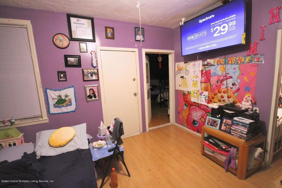 Additional photo for property listing at 1577 Castleton Avenue  Staten Island, New York 10302 United States
