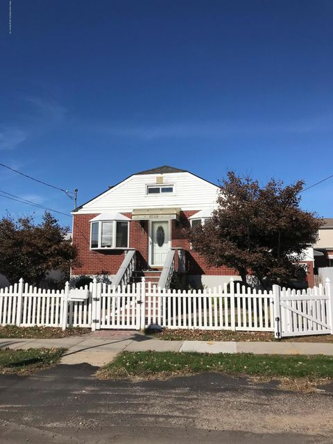 Single Family Home for Sale at 187 Olympia Boulevard Staten Island, New York 10305 United States