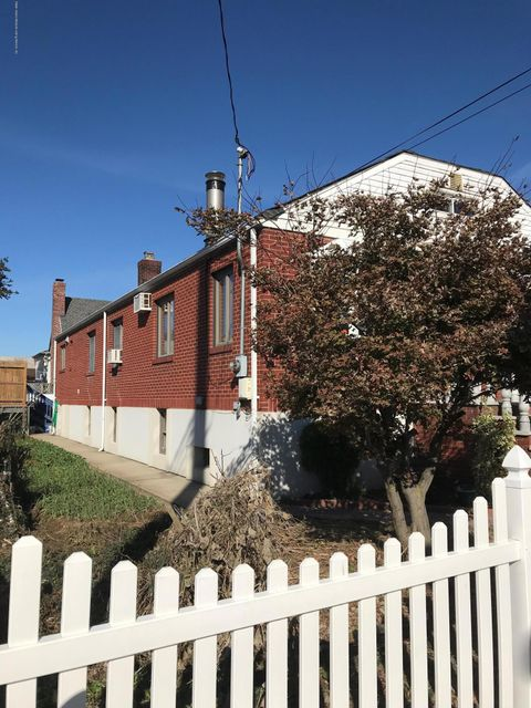 Additional photo for property listing at 187 Olympia Boulevard  Staten Island, New York 10305 United States