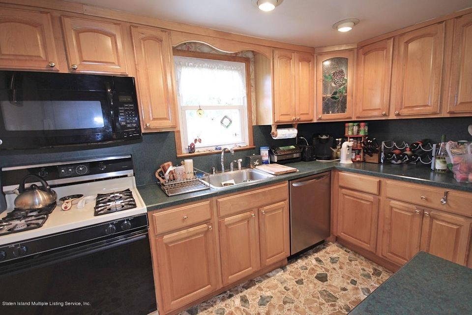Single Family - Detached 27 Raymond Place   Staten Island, NY 10310, MLS-1111746-8