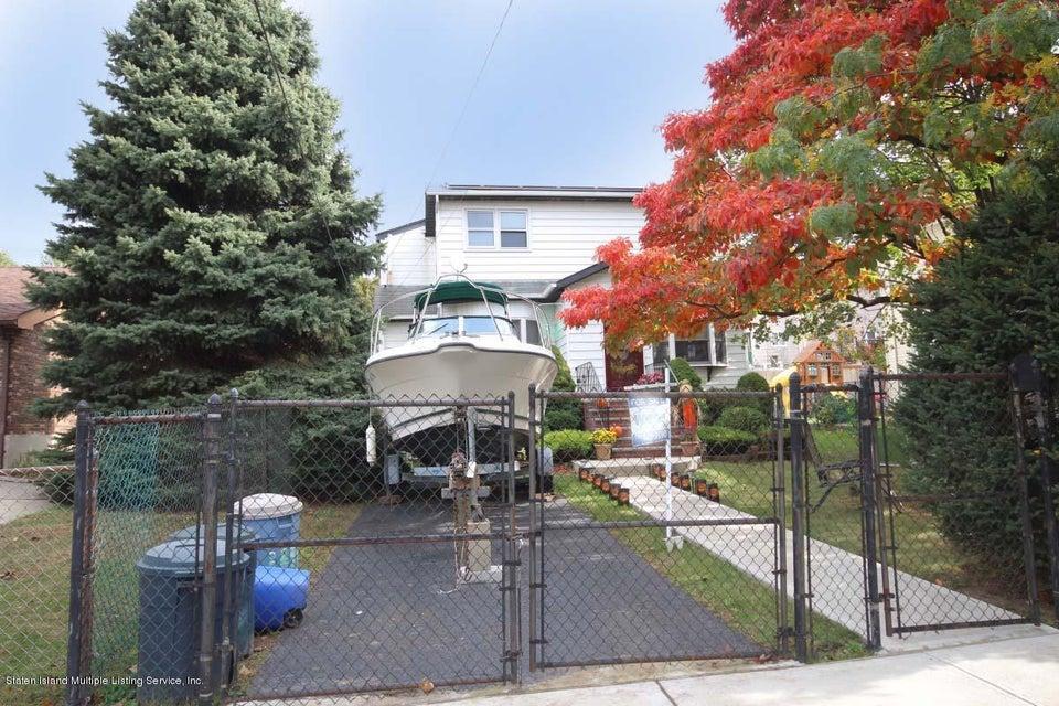 Single Family - Detached 27 Raymond Place   Staten Island, NY 10310, MLS-1111746-24