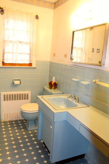 Single Family - Detached 57 Cuba Avenue  Staten Island, NY 10306, MLS-1115032-15