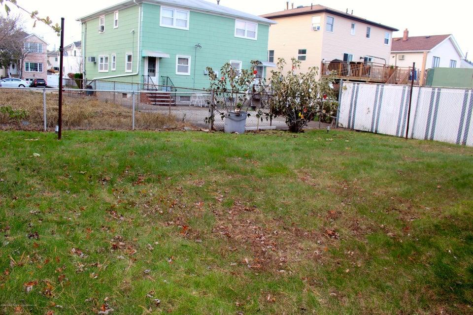 Single Family - Detached 57 Cuba Avenue  Staten Island, NY 10306, MLS-1115032-36