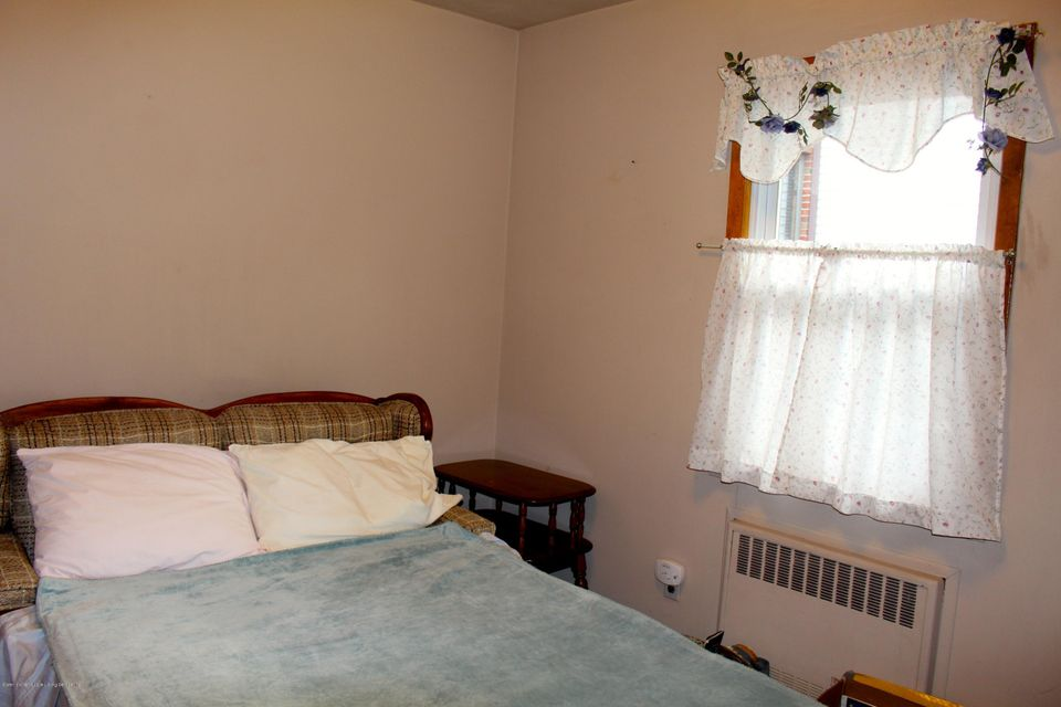 Single Family - Detached 57 Cuba Avenue  Staten Island, NY 10306, MLS-1115032-24