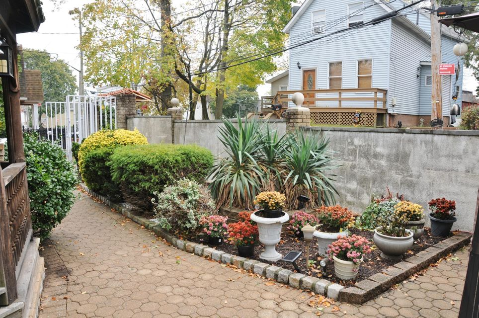 Single Family - Semi-Attached 234 Chestnut Avenue  Staten Island, NY 10305, MLS-1115034-8
