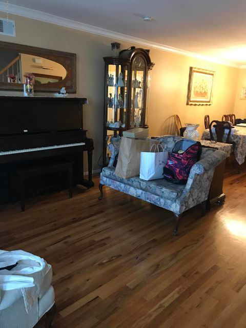 Additional photo for property listing at 33 Marie Street  Staten Island, New York 10305 United States