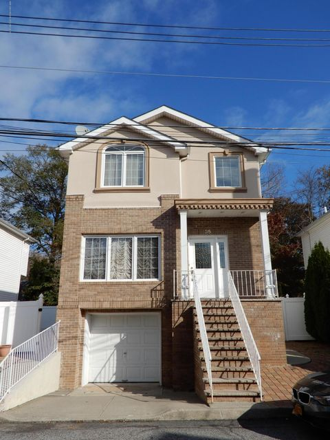 Single Family Home for Sale at 35 Comfort Court Staten Island, New York 10312 United States