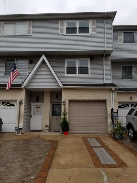 Single Family Home for Sale at 26 Sperry Place Staten Island, New York 10311 United States