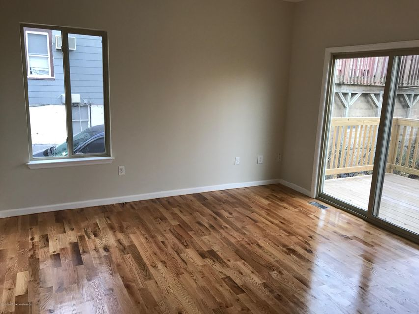 Additional photo for property listing at 301 Osgood Avenue  Staten Island, New York 10304 United States