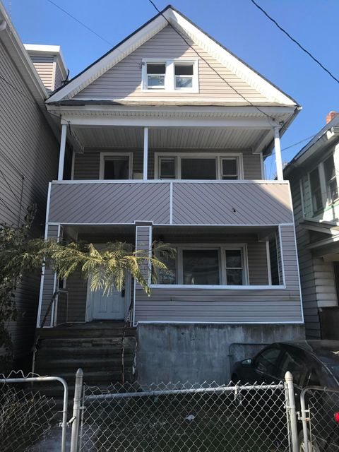 Single Family Home for Sale at 14 Grove Place Staten Island, New York 10302 United States