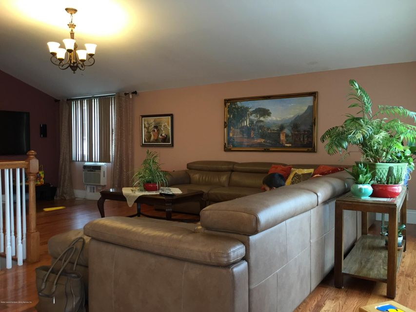 Additional photo for property listing at 212 Kelly Boulevard  Staten Island, New York 10312 United States