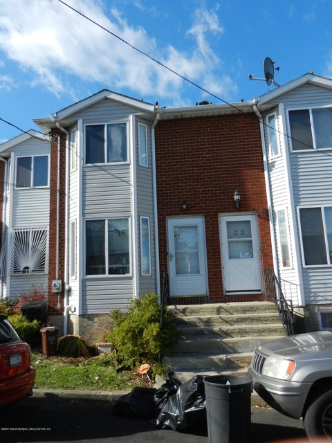 Single Family Home for Sale at 24 Northfield Court Staten Island, New York 10303 United States