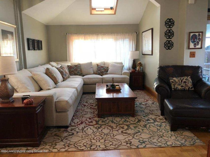 Additional photo for property listing at 397 Davis Avenue  Staten Island, New York 10310 United States