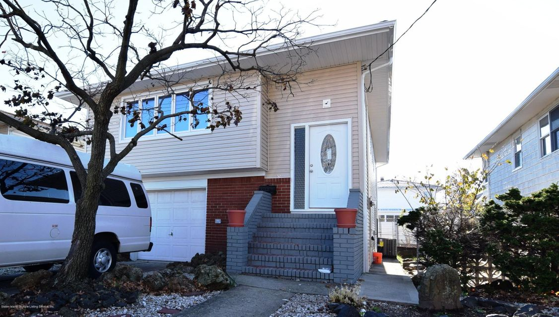 Single Family Home for Sale at 758 Tysens Lane Staten Island, New York 10306 United States