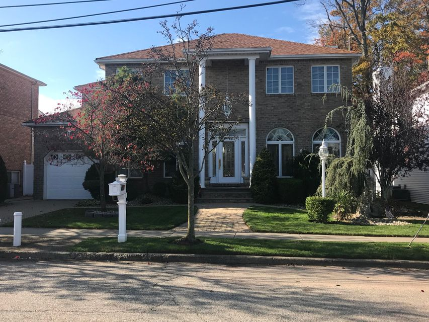 Single Family Home for Sale at 151 Burton Avenue Staten Island, New York 10309 United States