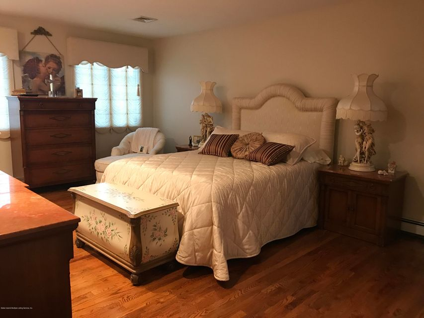 Additional photo for property listing at 151 Burton Avenue  Staten Island, New York 10309 United States