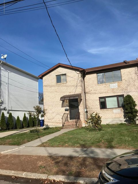 Single Family Home for Rent at 67 Groton Street Staten Island, New York 10312 United States