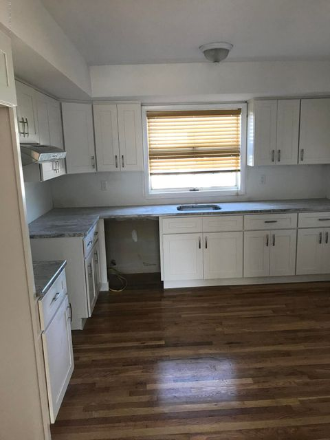 Additional photo for property listing at 473 Elverton Avenue  Staten Island, New York 10308 United States