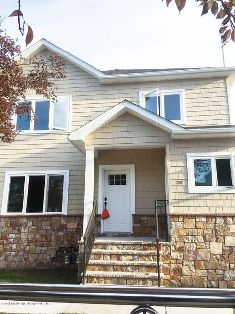 Single Family Home for Rent at 28 Clawson Street Staten Island, New York 10306 United States