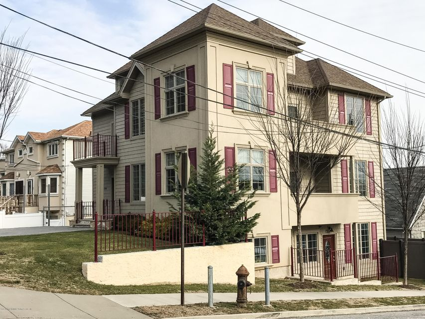 1930 Richmond Road,Staten Island,New York 10306,3 Bedrooms Bedrooms,6 Rooms Rooms,2 BathroomsBathrooms,Condominium,Richmond,1115198