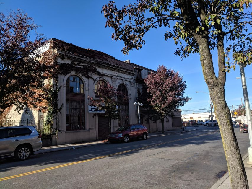 Commercial for Sale at 2064 Richmond Terrace Staten Island, New York 10302 United States