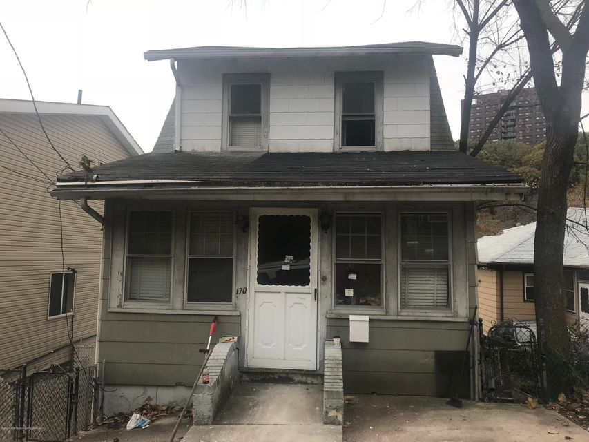 Single Family Home for Sale at 170 Hillside Avenue Staten Island, New York 10304 United States