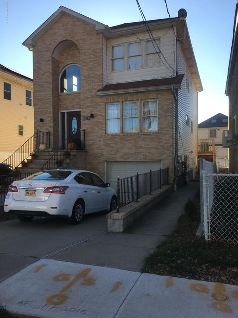 Single Family Home for Sale at 286 Mallory Avenue Staten Island, New York 10305 United States