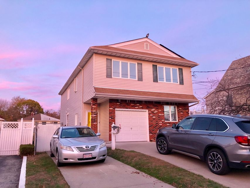 Single Family Home for Rent at 139 Jefferson Avenue Staten Island, New York 10306 United States