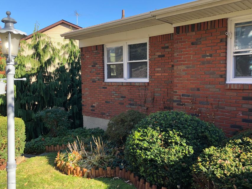 Additional photo for property listing at 96 Longview Road  Staten Island, New York 10304 United States