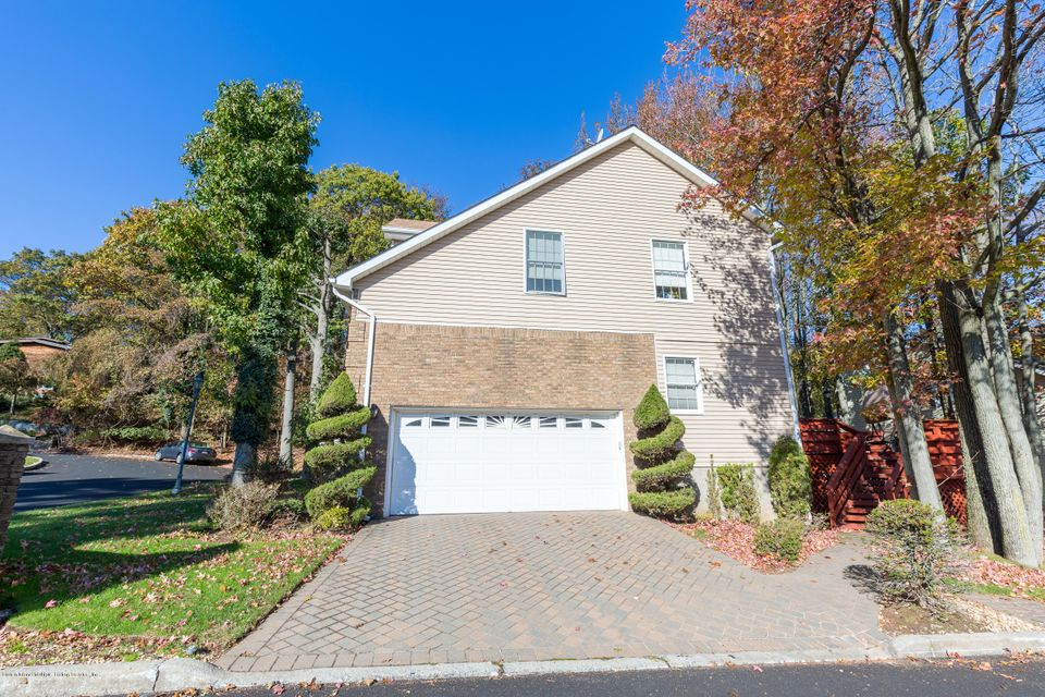 Single Family - Detached 60 Old Farmers Lane  Staten Island, NY 10304, MLS-1115230-4
