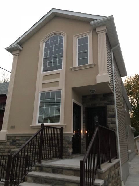 386 Simonson Avenue Staten Island,New York 10303,3 Bedrooms Bedrooms,6 Rooms Rooms,3 BathroomsBathrooms,Apartment,Simonson Avenue,1115232