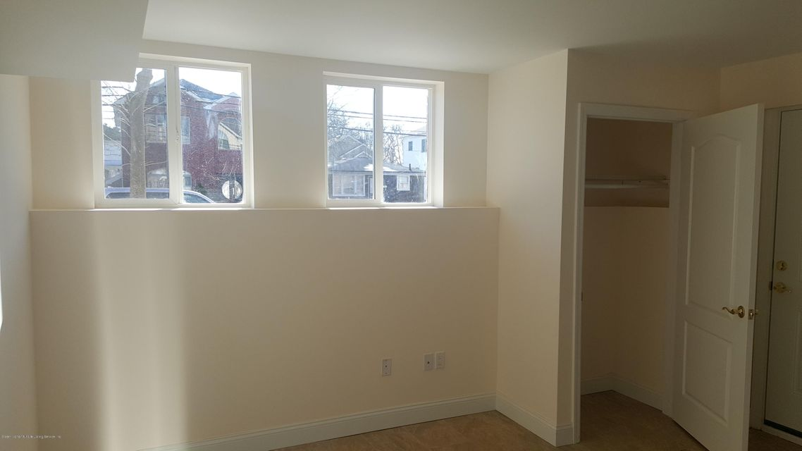 Additional photo for property listing at 139 Oceanview Place  Staten Island, New York 10308 United States