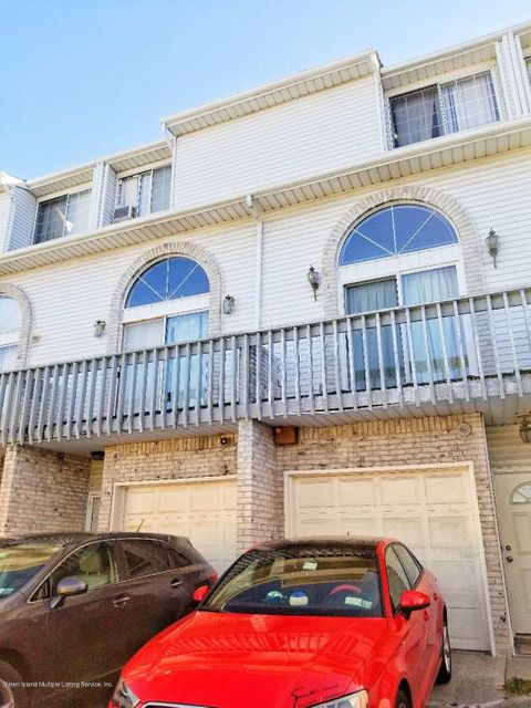 Single Family Home for Rent at 417 Hylan Boulevard Staten Island, New York 10305 United States