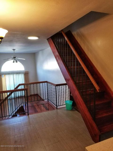 Additional photo for property listing at 417 Hylan Boulevard  Staten Island, New York 10305 United States