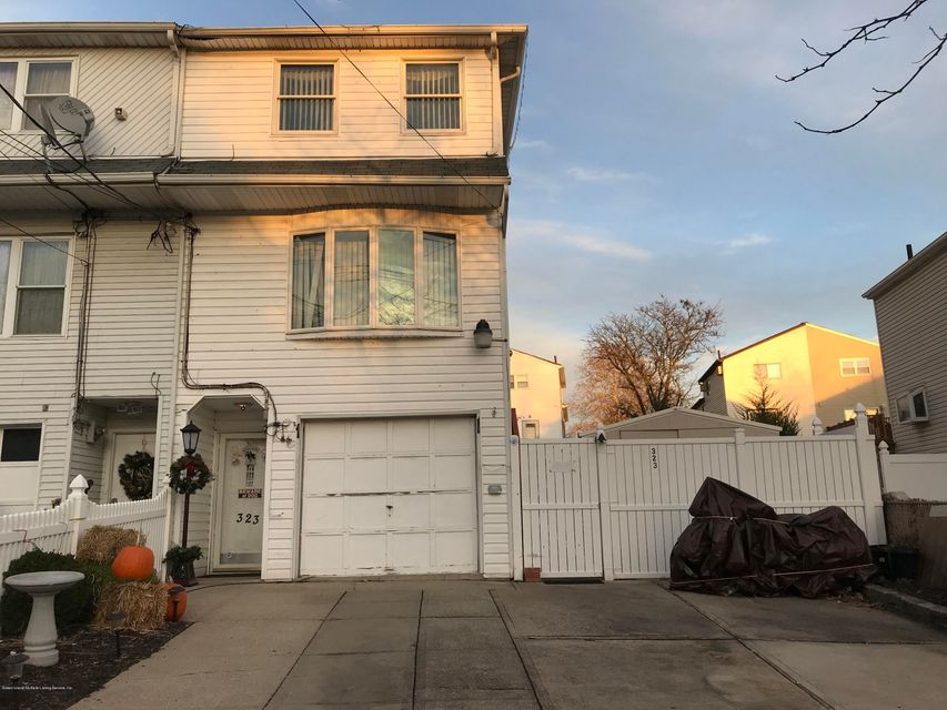 Single Family Home for Sale at 323 Abingdon Avenue Staten Island, New York 10308 United States