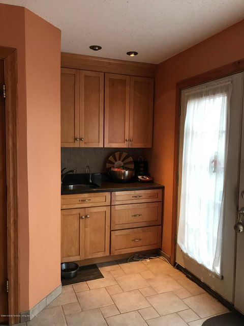 Additional photo for property listing at 323 Abingdon Avenue  Staten Island, New York 10308 United States