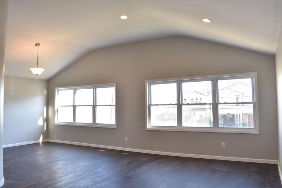 Additional photo for property listing at 4 Melba Street  Staten Island, New York 10314 United States