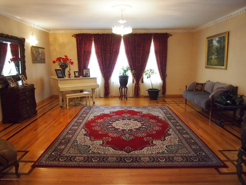 Additional photo for property listing at 37 Fairview Place  Staten Island, New York 10304 United States