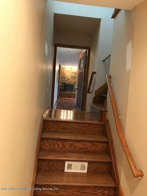 Additional photo for property listing at 31 Bowling Green Place  Staten Island, New York 10314 United States