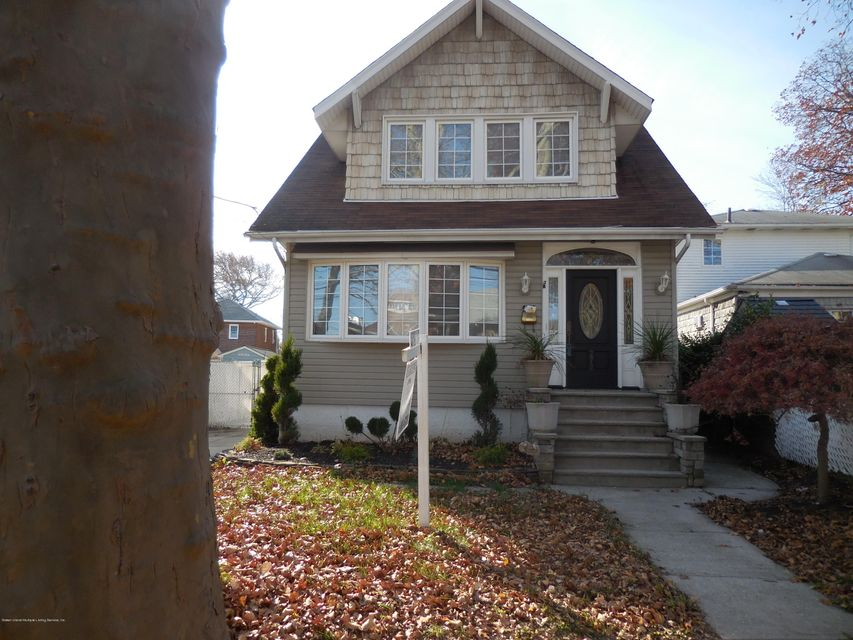 Single Family Home for Sale at 272 Greeley Avenue Staten Island, New York 10306 United States