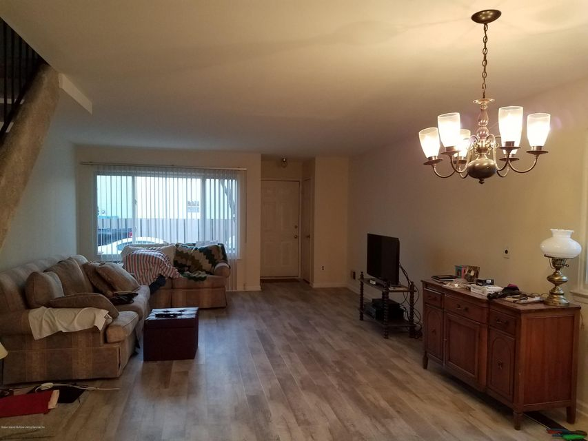 Additional photo for property listing at 167 Rye Avenue  Staten Island, New York 10312 United States