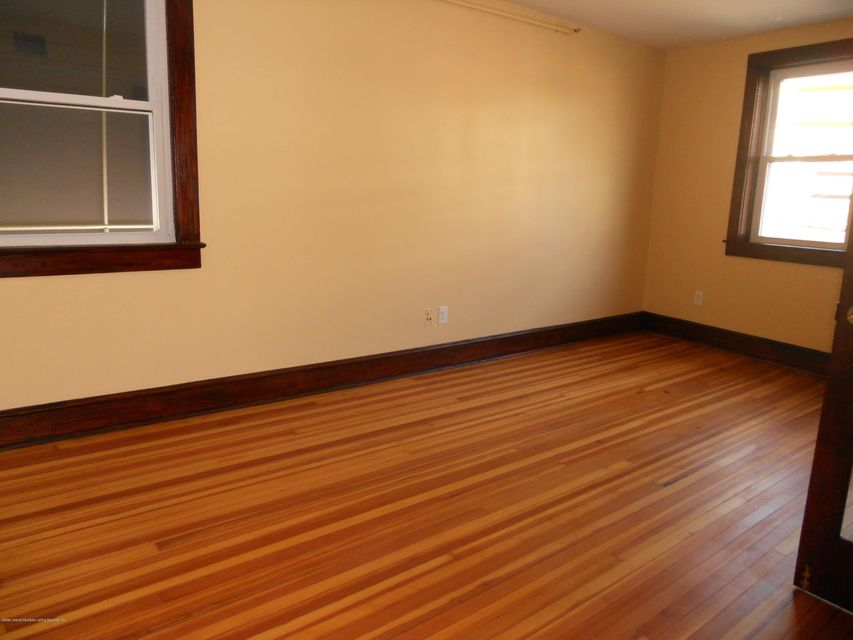 Additional photo for property listing at 884 Castleton Avenue  Staten Island, New York 10310 United States