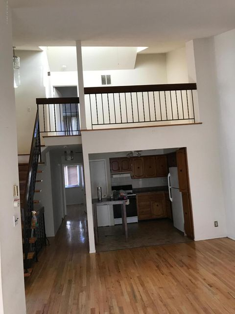 Additional photo for property listing at 397 Brookfield Avenue  Staten Island, New York 10308 United States