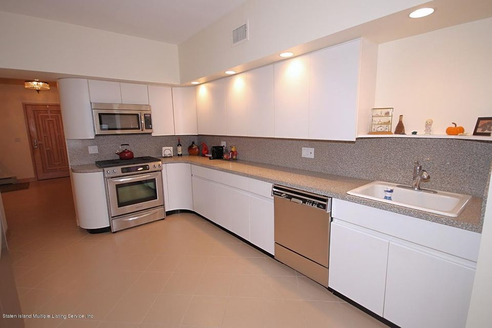 Single Family - Detached 7 Wakefield Road  Staten Island, NY 10312, MLS-1115374-13