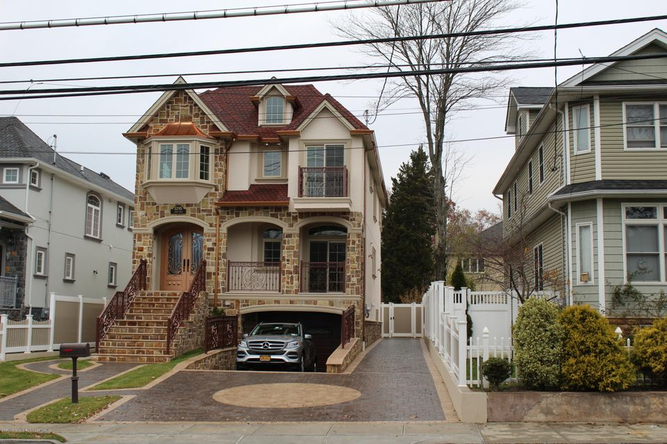 Two Family - Detached 5295 Amboy Road  Staten Island, NY 10312, MLS-1115403-2