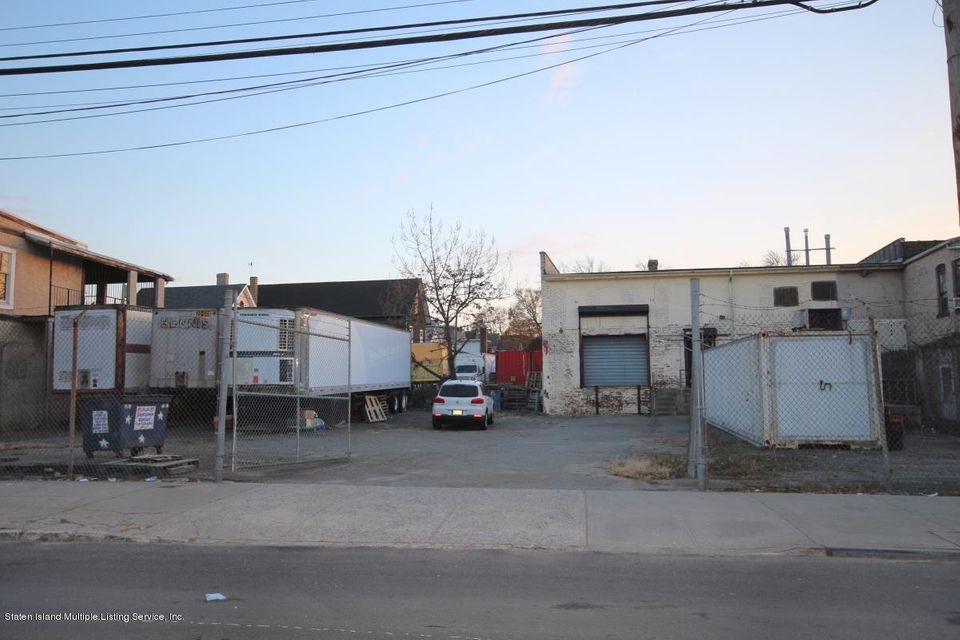 Commercial for Sale at 9 Union Avenue Staten Island, New York 10303 United States