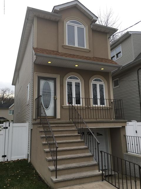 Single Family Home for Sale at 98 Burke Avenue Staten Island, 10314 United States