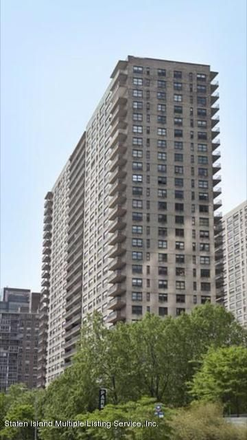 Co-Op in Off Island - 140 End Avenue 6 K  New York, NY 10023
