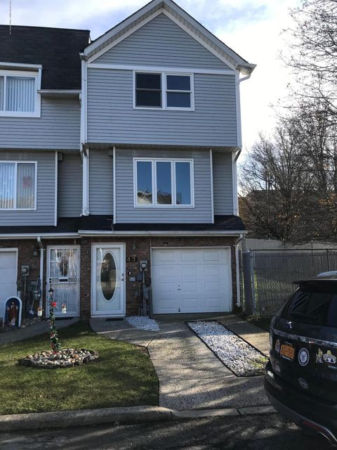 43 Westport Lane,Staten Island,New York 10314,3 Bedrooms Bedrooms,5 Rooms Rooms,3 BathroomsBathrooms,Single family residence,Westport,1115467