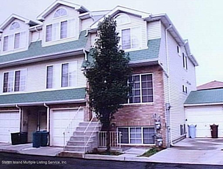 Single Family Home for Rent at 121 Woodcutters Lane Staten Island, New York 10306 United States
